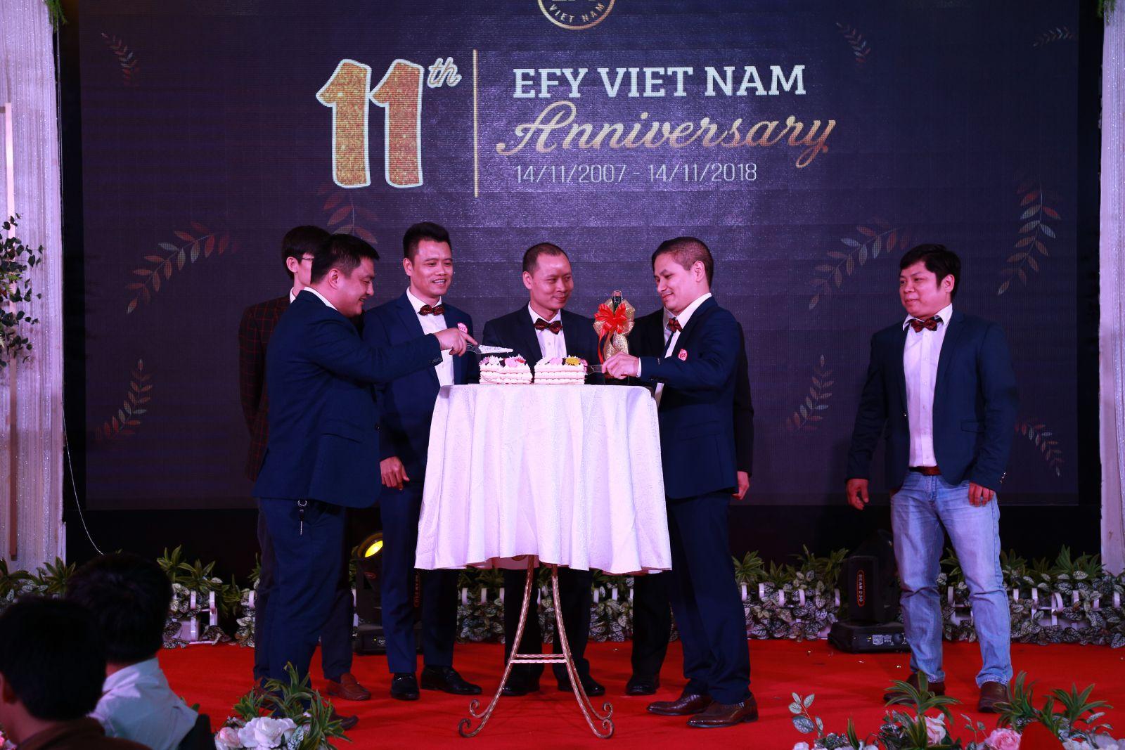 EFY Việt Nam 11 năm những bước chân trên một chặng đường