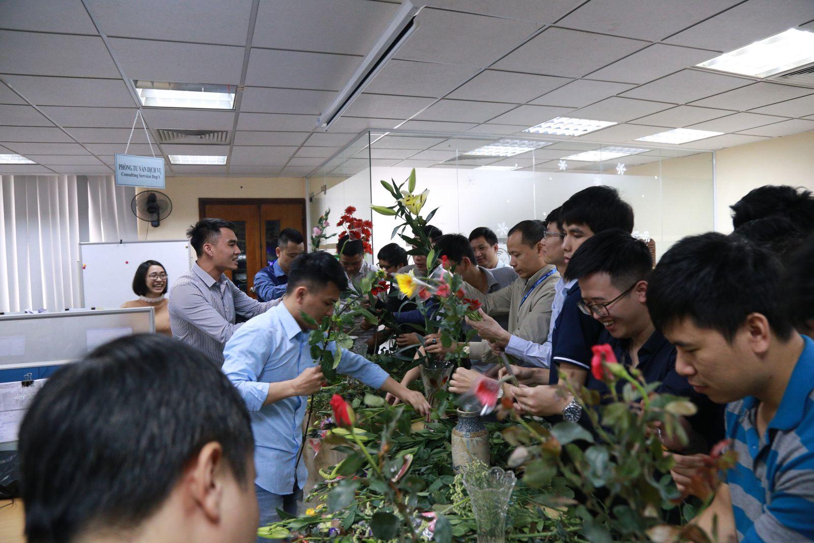 EFY Việt Nam tổ chức hoạt động chào mừng ngày quốc tế phụ nữ 8/3 ảnh 5