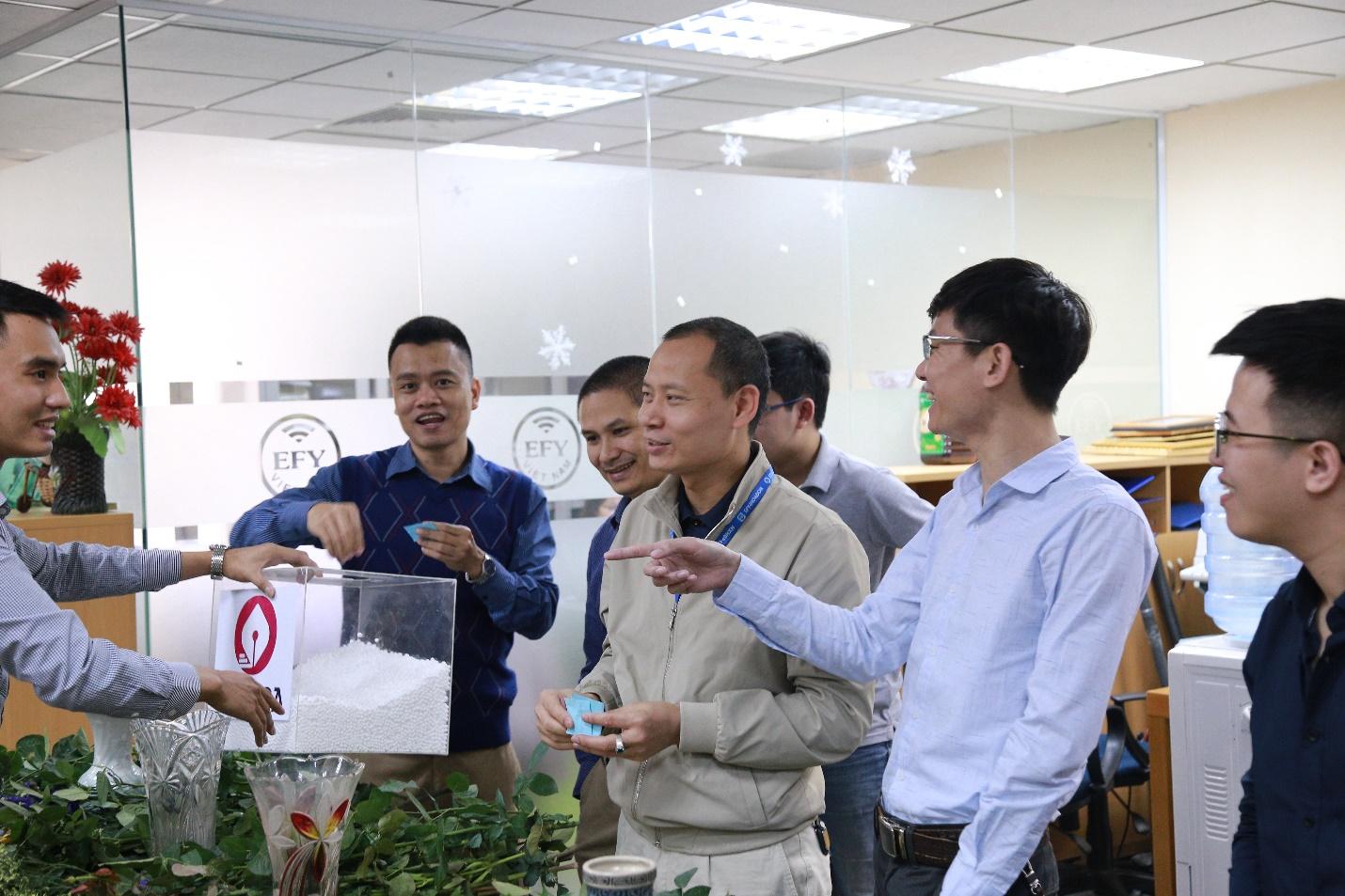 EFY Việt Nam tổ chức hoạt động chào mừng ngày quốc tế phụ nữ 8/3 ảnh 1
